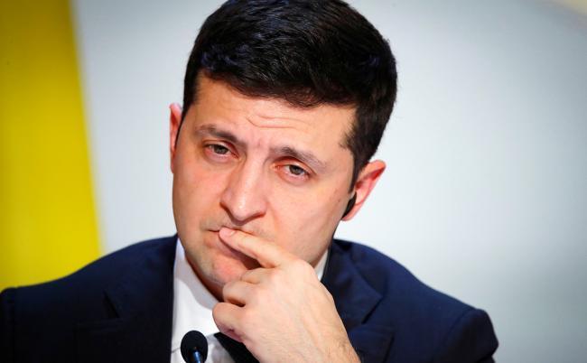 Зеленскому продолжают доверять большинство украинцев - опрос