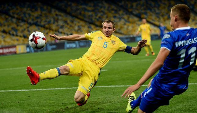 Известный украинский защитник завершил карьеру футболиста