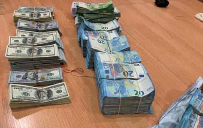 Таможенники предотвратили незаконный ввоз в Украину рекордного количества валюты