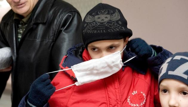 Кабмин запретил находиться в общественных местах без маски и документов с 6 апреля