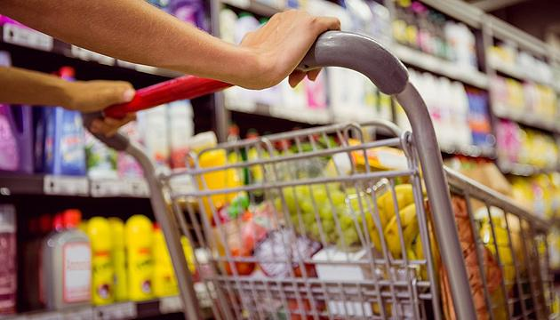 Масло, сахар, гречка: в магазинах запасов - на несколько недель