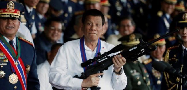 Президент Филиппин приказал армии расстреливать нарушителей карантина