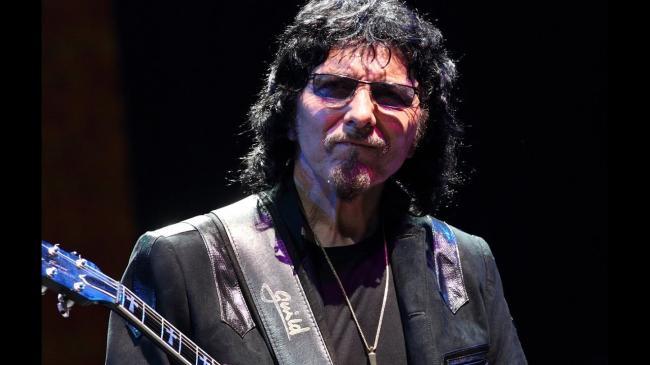 Гитарист Black Sabbath проведёт аукцион для борьбы с коронавирусом