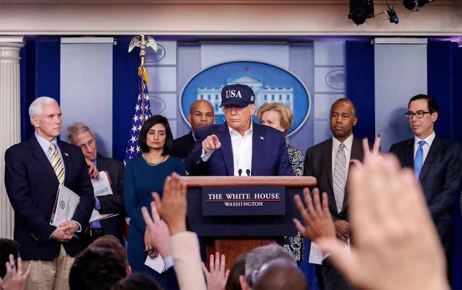 Трамп готовится смягчить карантин в США, несмотря на рекордные показатели COVID-19