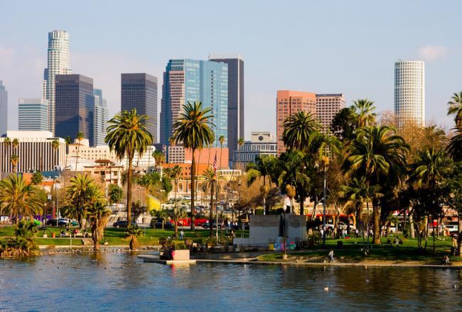 В Лос-Анджелесе запретили массовые мероприятия до конца года из-за коронавируса