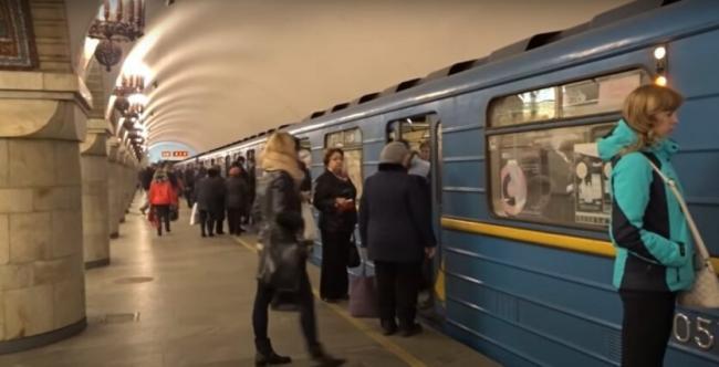 Метро в Киеве можно было не закрывать, - вирусолог
