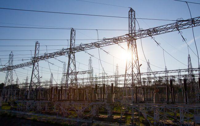 Потребление электроэнергии в Украине за месяц упало почти на 10%
