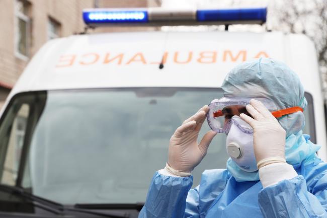Надбавку в 300% к зарплате в марте получили 254 медика Киевской области