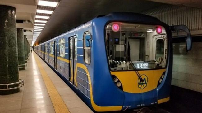 Кличко призвал Кабмин разрешить работу метро в Киеве