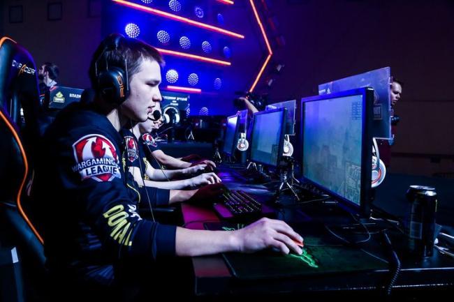 Развлечения в пандемию: геймеры тратят сумасшедшие суммы на карантине