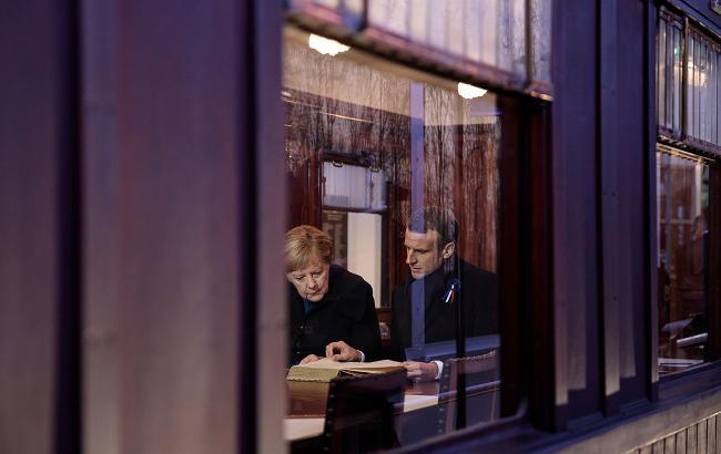Макрон и Меркель готовят инициативу по выходу ЕС из коронакризиса