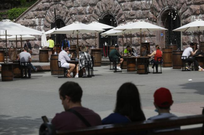 Глава Минздрава Украины сообщил, когда полноценно могут заработать рестораны