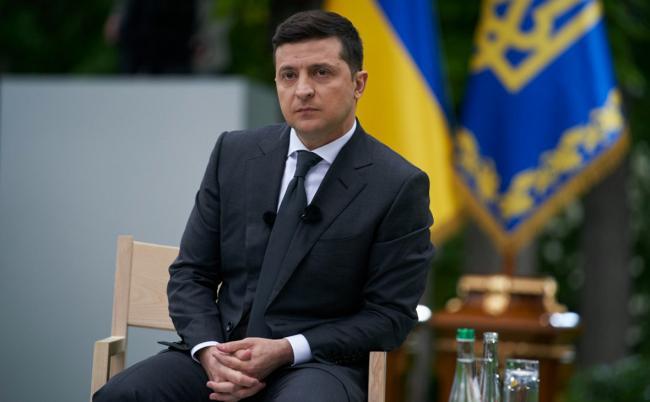 Зеленский пожелал Киеву и Кривому Рогу избавиться от плохих дорог, заторов и хаотичной застройки