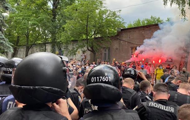 МВД Украины намерено усилить наказание за оскорбление полиции