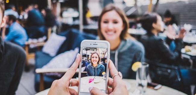 Рынок смартфонов рекордно просел - на 20% по сравнению с 2019 годом