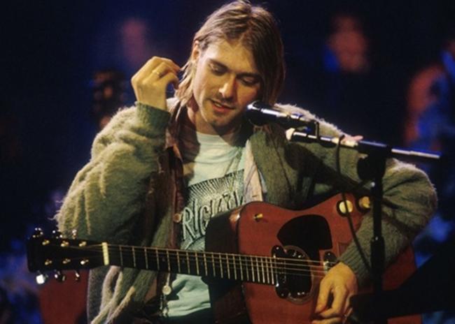 Гитара Курта Кобейна ушла с молотка за 6 миллионов долларов