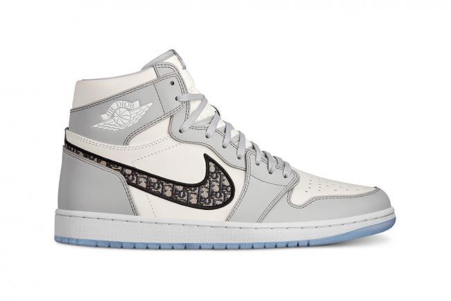 Кроссовки из коллаборации Dior и Air Jordan скоро можно будет приобрести онлайн