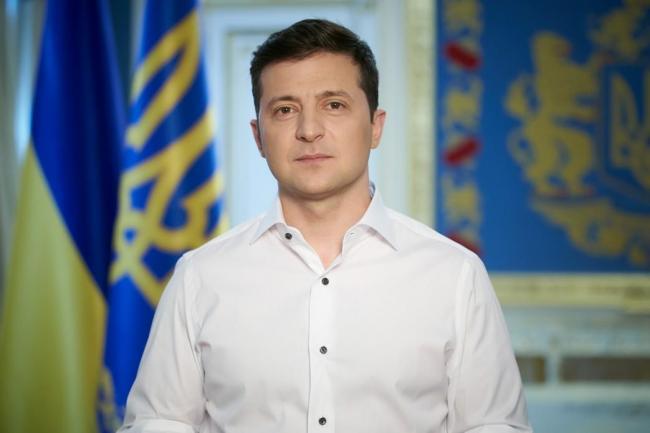 Зеленский пообещал решить вопрос жилья для пострадавших от паводков