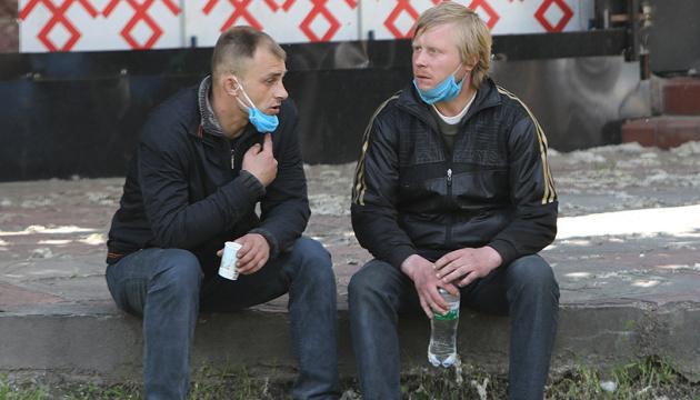 Правительство поддержало введение штрафов за пропуск в общественные места без маски