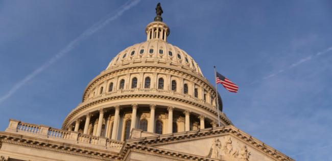 Коронакризис. Дефицит бюджета США за месяц вырос на рекордные $864 млрд