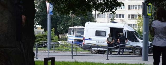 Шмыгаль отреагировал на захват заложников в Луцке