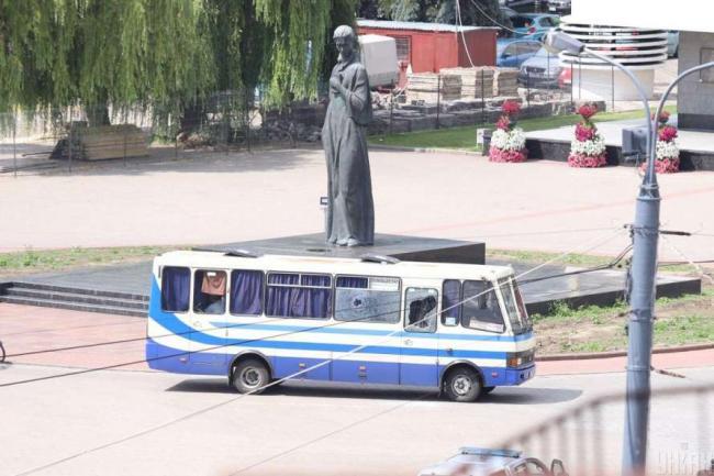 Аваков исключил связь между захватом заложников в Луцке и взрывами в Киеве