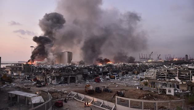 Бейрут объявили зоной бедствия и ввели чрезвычайное положение