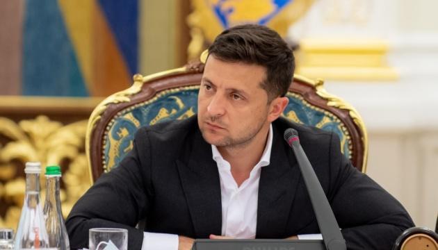 Зеленский: Украина должна восстановить права крымских татар как коренного народа