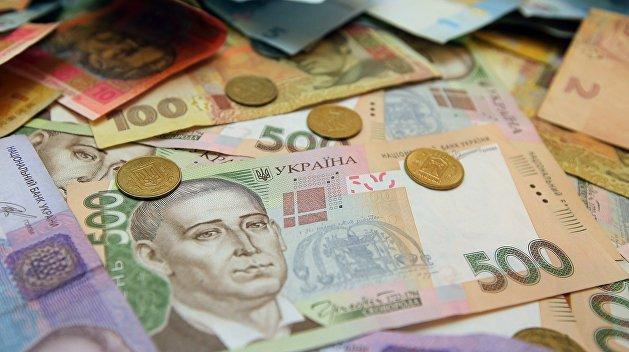 Две трети украинцев считают себя бедными