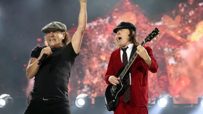 Выход нового альбома AC/DC отложили из-за коронавируса