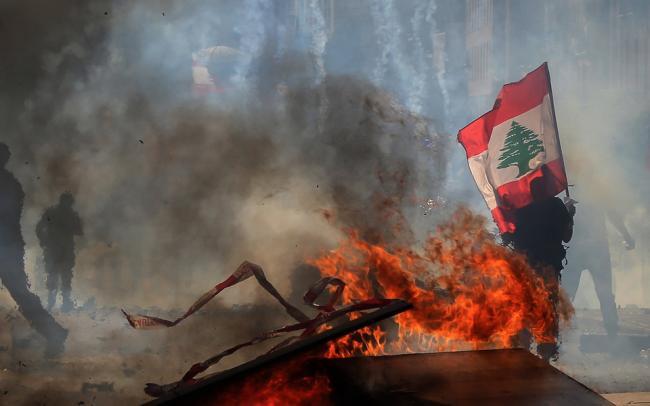 В Бейруте тысячи людей протестуют, требуя наказать виновных во взрыве