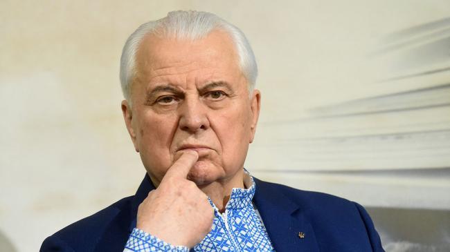 Кравчук: особый статус Донбасса в Конституцию Украины вносить не будут