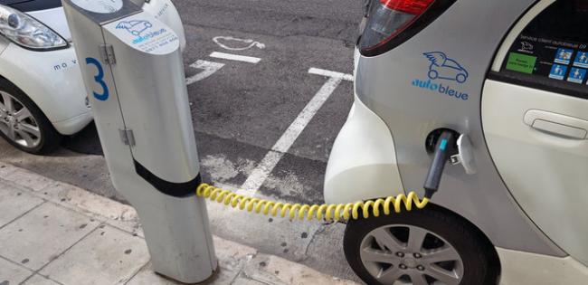 Криклий: Нулевой НДС на ввоз электромобилей сохранится. Будет больше заправок