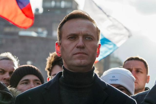 """Еще две лаборатории подтвердили отравление Навального """"Новичком"""""""