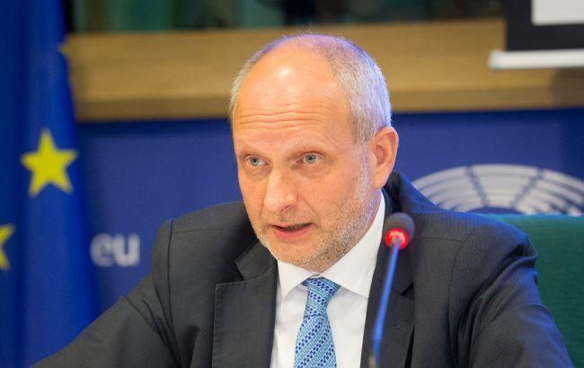ЕС требует быстро решить ситуацию вокруг НАБУ