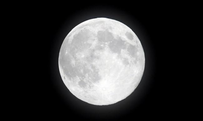 Камни и пыль. NASA ищет частные компании, которые начнут добычу на Луне