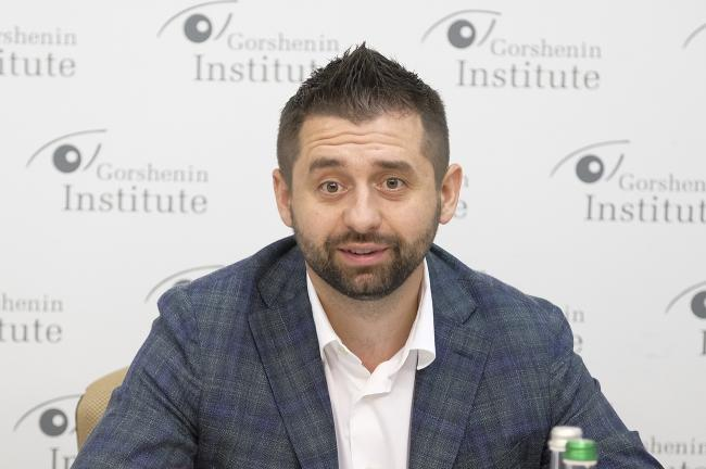 """Арахамия опроверг возможность коалиции """"Слуги народа"""" с ОПЗЖ"""