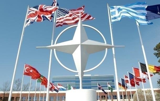 В НАТО предупредили Украину, что короткого пути к членству нет