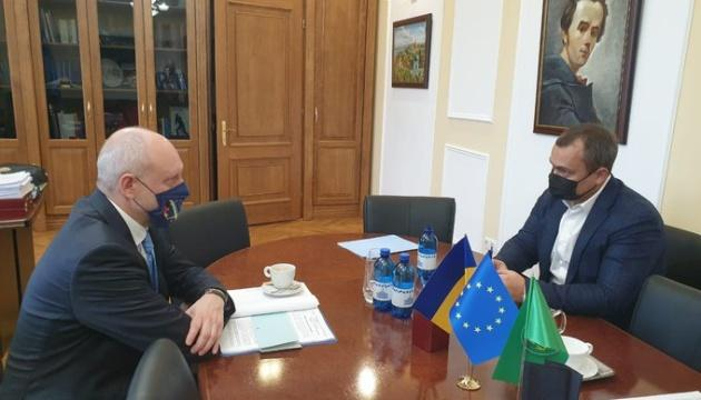 Посол ЕС напомнил в Раде об условиях предоставления Киеву €1,2 миллиарда