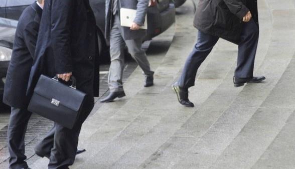 Рада сняла возрастные ограничения для работы на госслужбе