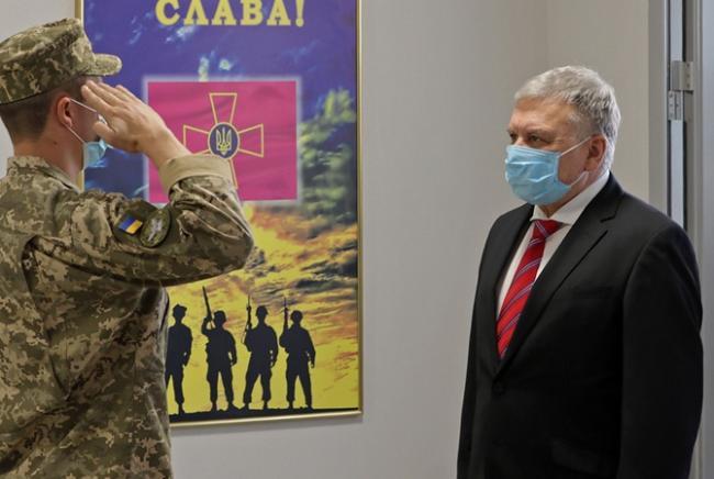 Украинские воинские звания переведены на стандарты НАТО