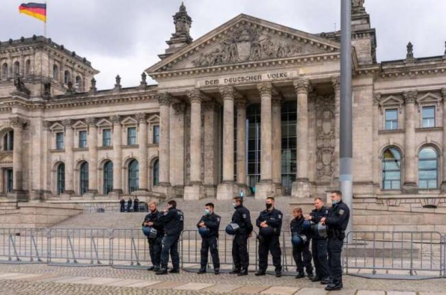 Германия усилила охрану Бундестага после штурма Капитолия