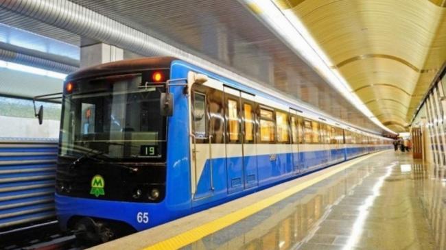 Киевским метро стали пользоваться реже на 56%