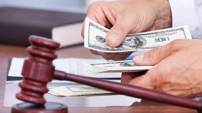Борьба с коррупцией: в Украине судья получил шесть лет тюрьмы за взяточничество