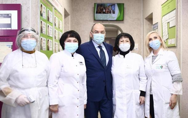 Степанов: За отказ прививаться медиков увольнять не будут