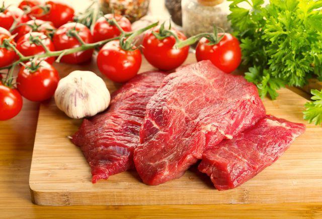 Медики уточнили, как именно употребление красного мяса влияет на здоровье вашего сердца