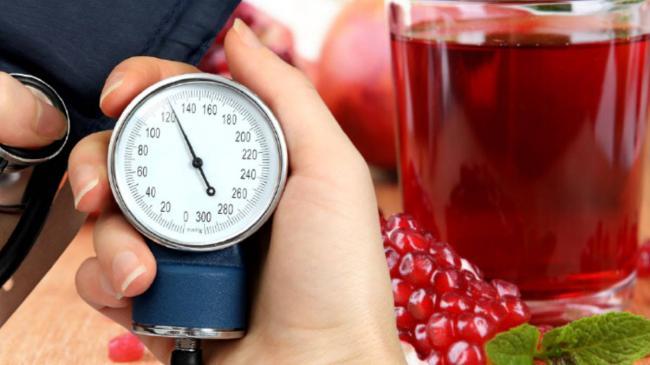 Повышенное артериальное давление: три напитка, снижающие риск гипертонии