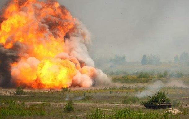 Украинские военные на учениях отработали наступление