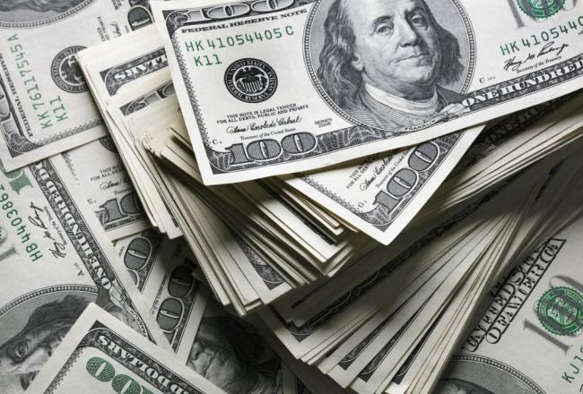 Доллар дешевеет из-за веры инвесторов в восстановление экономики – FT