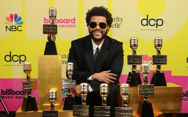 В США вручили награды премии 2021 Billboard Music Awards
